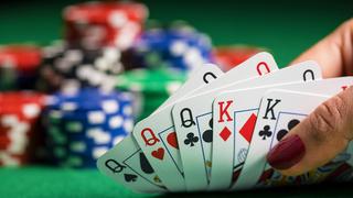 משחק קלפים מחתרתי