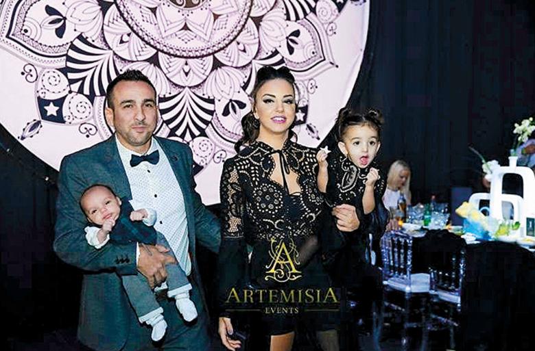 אלון סעדון ומשפחתו