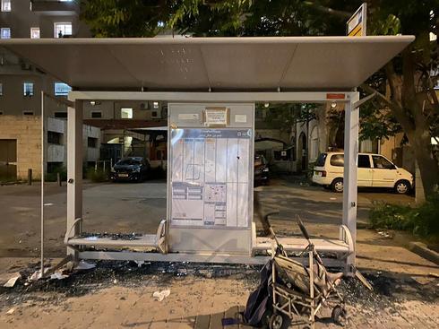 השחתת תחנות אוטובוס בשמואל הנביא