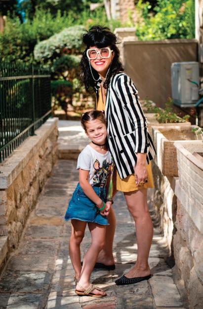 הדס דיקשטיין ובתה