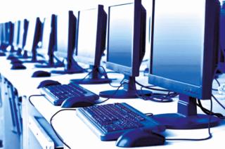 מחסור במחשבים וחיבור לאינטרנט
