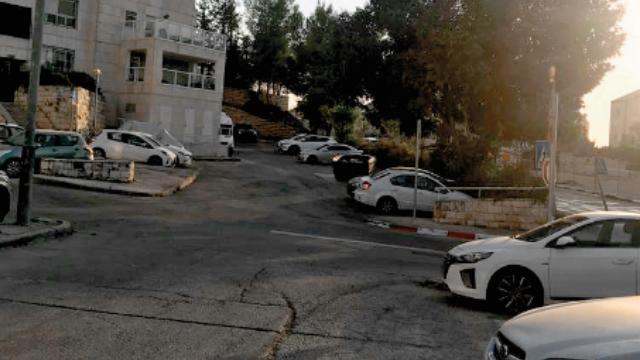 החניה בהרדוף בשכונת גילה