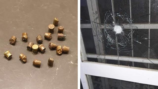 אחד החלונות שנותץ בעקבות הירי מהכפרים לעבר פסגת זאב