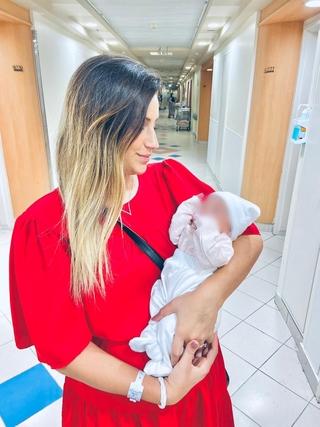 נועה לוי-פרץ והתינוקת מיה