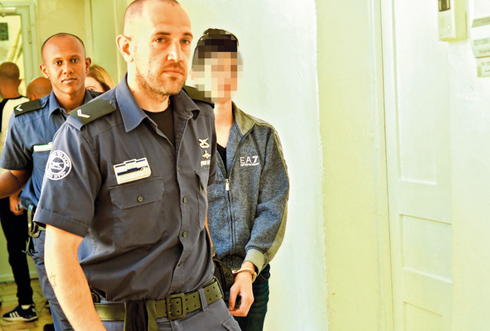 אחד החשודים מובא להערכת מעצר. צילום: רפי קוץ