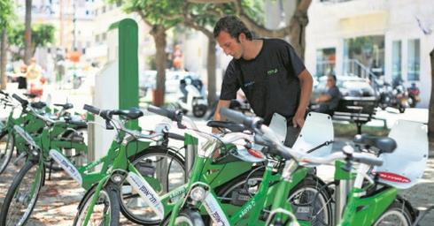אופניים להשכרה. צילום: עמית שעל