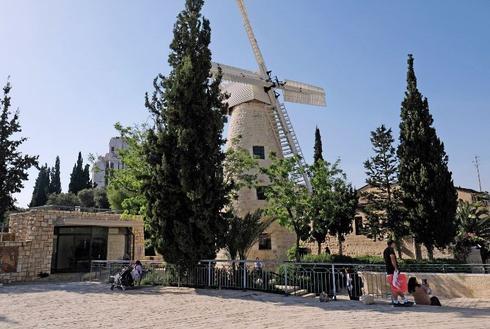טחנת הרוח בימין משה. צילום: יואב דודקביץ'
