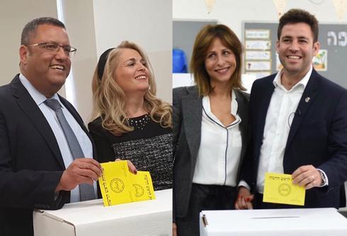 ברקוביץ וליאון מצביעים יחד עם נשותיהם. צילום: יואב דודקביץ׳