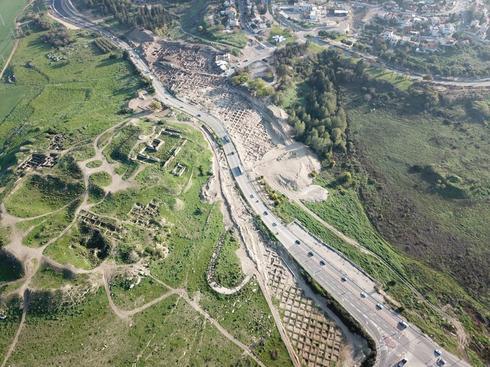 מבט על אזור החפירה. צילום: טל רוגובסקי