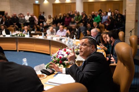 משה ליאון במועצה. צילום: יואב דודקביץ'