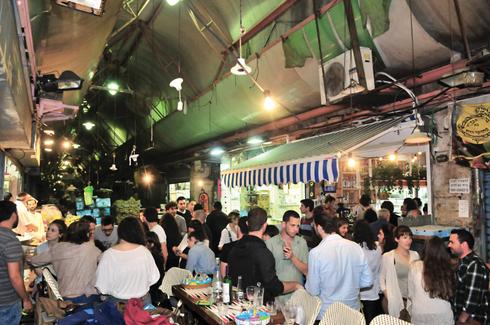 השוק בלילה. לא כולם בעד | צילום: רפי קוץ