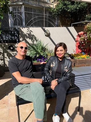 השפית אמנינדר סנדו בירושלים עם השף אילן גרוסי. צילום: עיריית ירושלים